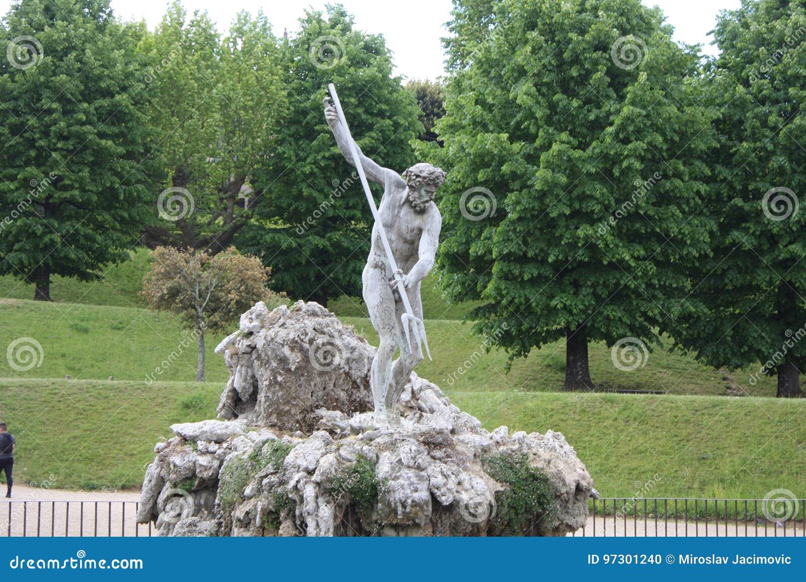 Fontaine de Neptune au centre des jardins de Boboli Le sculpteur, Stoldo Lorenzi Florence