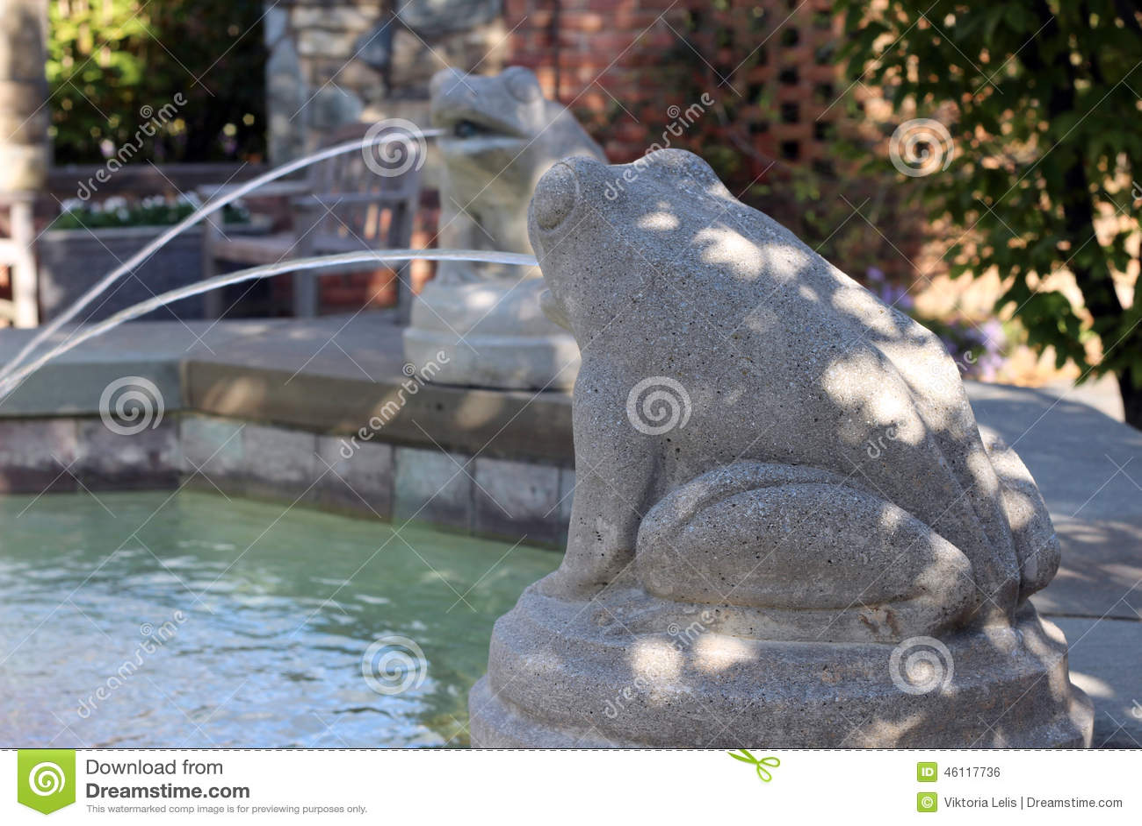 Fontaine De Pierre-grenouille Photo stock - Image: 46117736