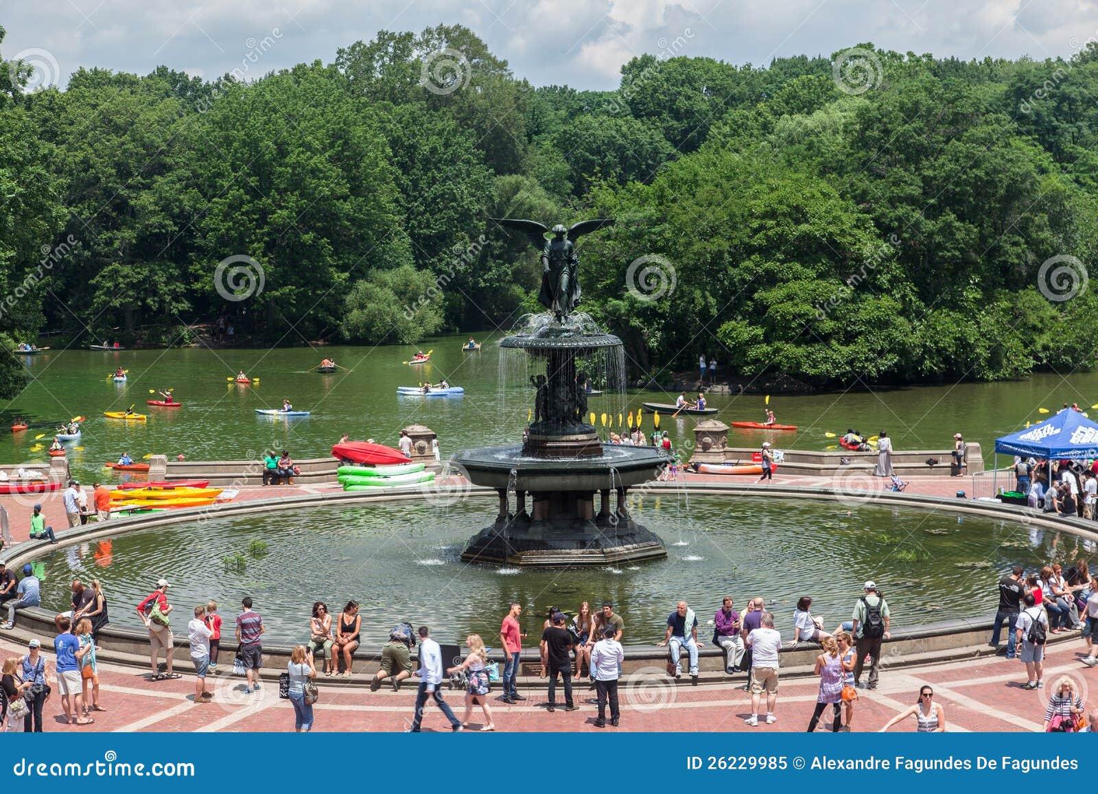 Fontaine new york city de bethesda image ditorial image for Piscine de bethesda