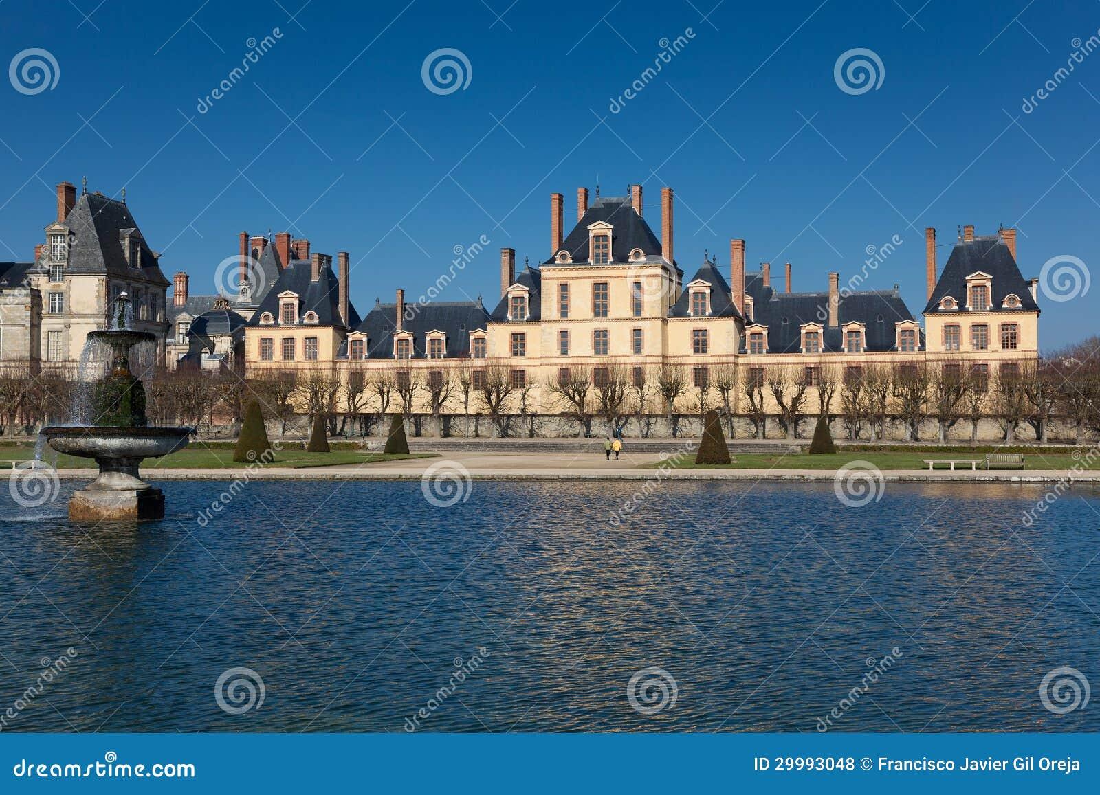 Fontainebleau castle seine et marne ile de france - Pisciniste seine et marne ...