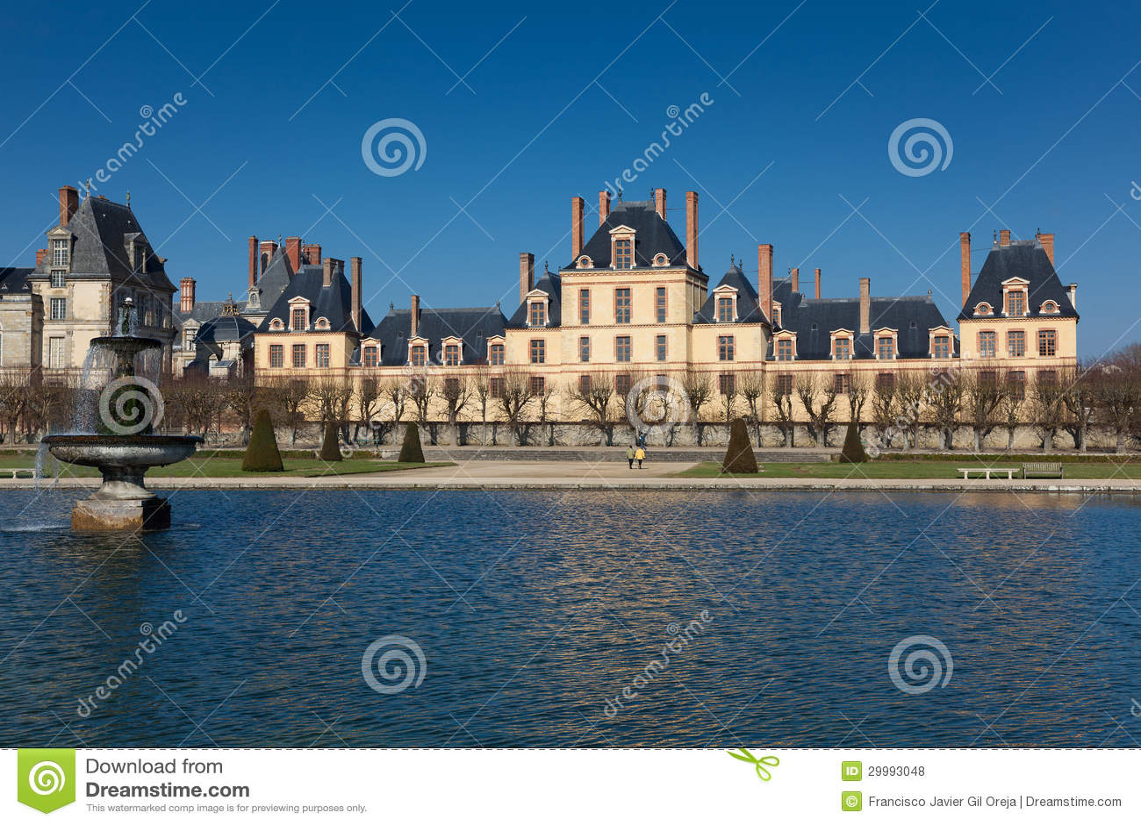 fontainebleau castle seine et marne ile de france royalty free stock photos image 29993048. Black Bedroom Furniture Sets. Home Design Ideas
