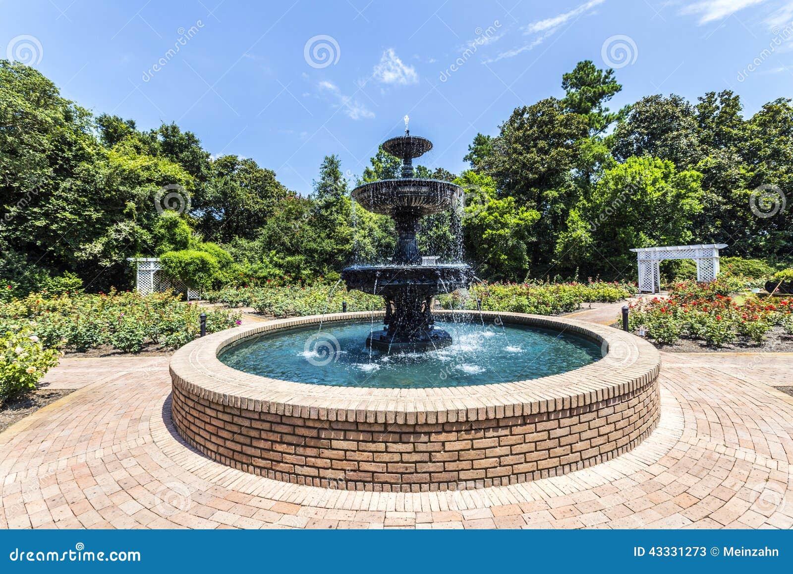 Giardini con fontane fontane giardino with giardini con - Giardini con fontane ...