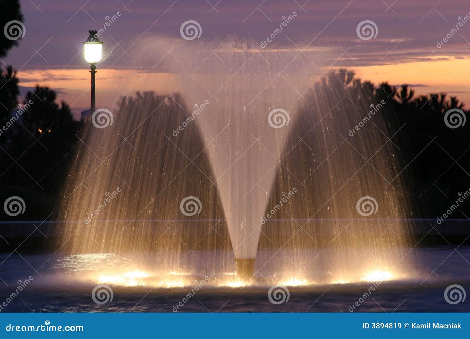 Fontana e crepuscolo
