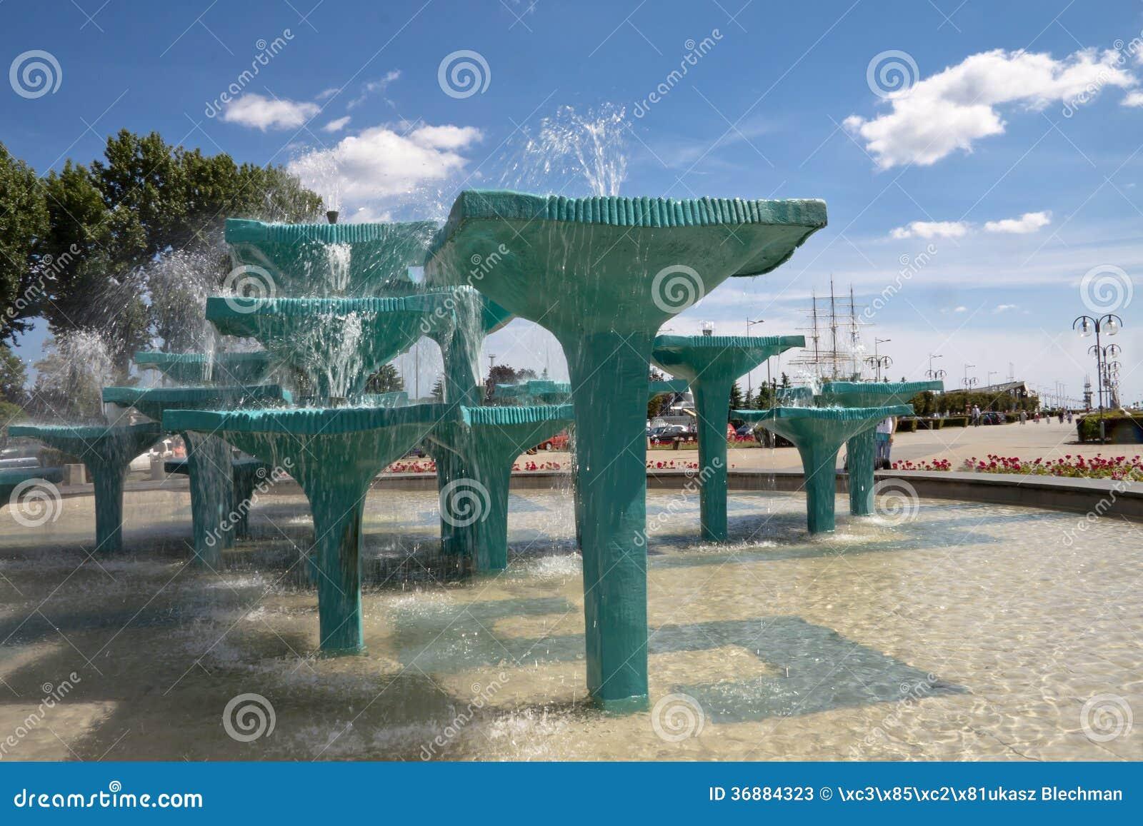 Download Fontana Gdynia - In Polonia Immagine Stock - Immagine di architettura, acqua: 36884323