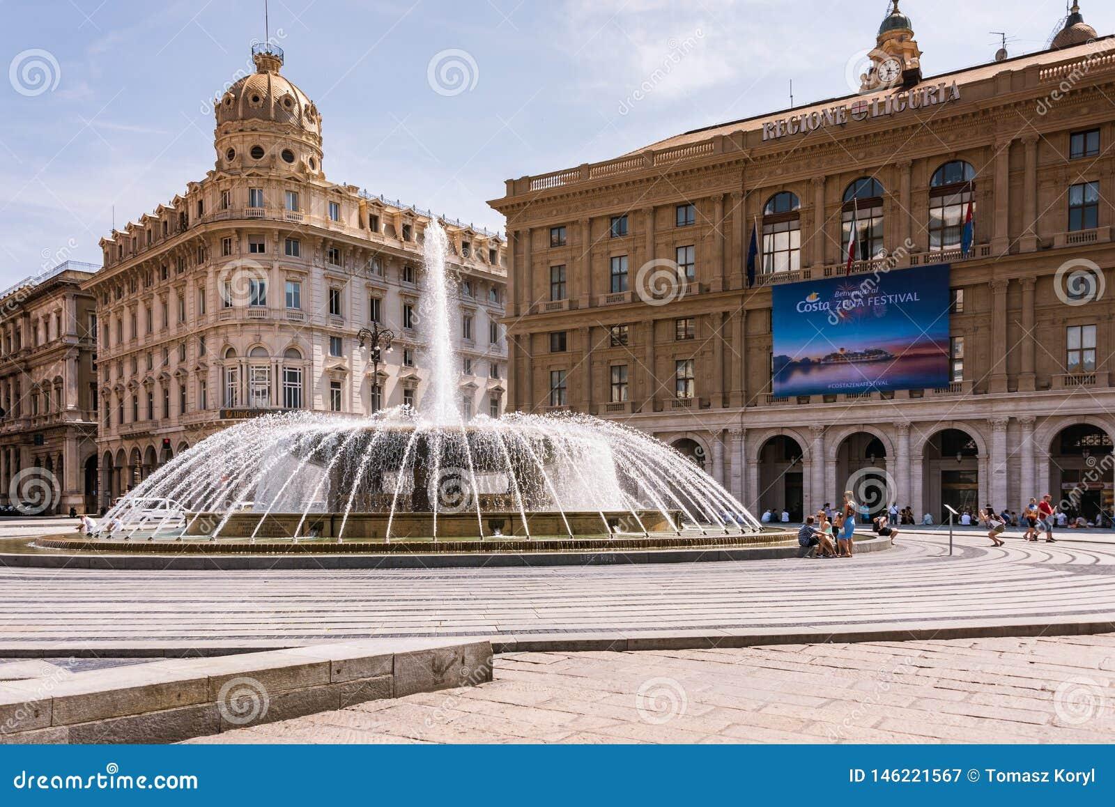 Fontana sulla piazza Raffaele de Ferrari a Genova - il cuore della città, le sedi della regione ligura Liguria, Italia