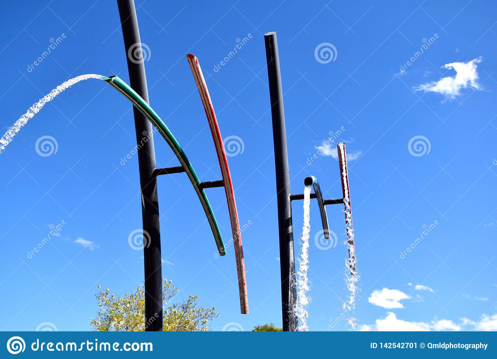 Fonte de água de gerencio do tubo