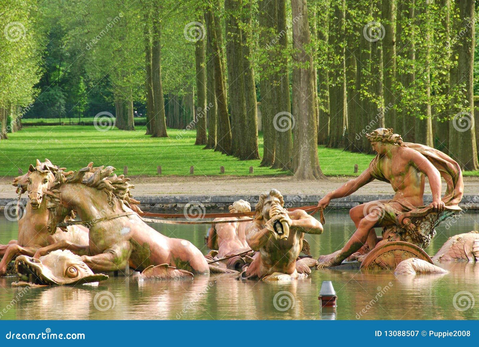 Fonte de Apollo no palácio de Versalhes