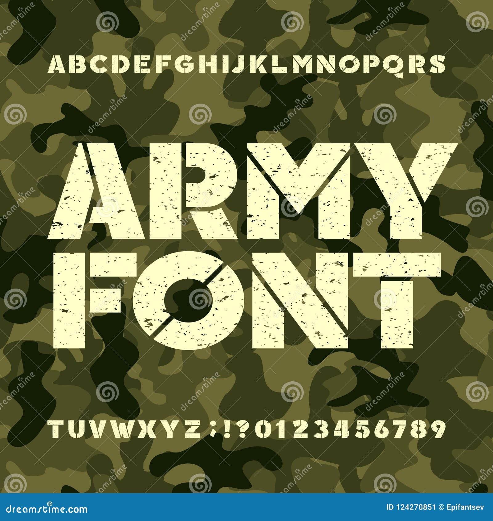 Fonte do alfabeto do estêncil do exército Letras e números corajosos do Grunge no fundo militar do camo
