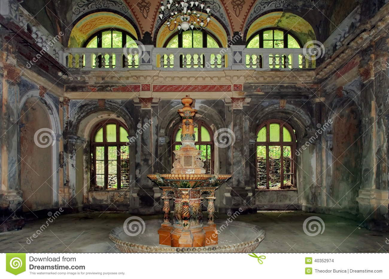Fontein van de 19de eeuw - Baile Herculane - Roemenië