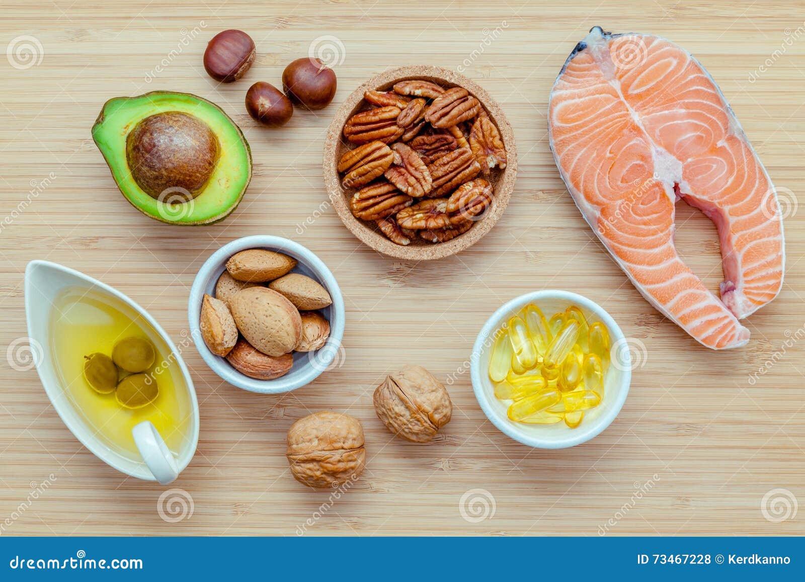 Fontes do alimento da seleção da ômega 3 e de gorduras não saturadas FO super