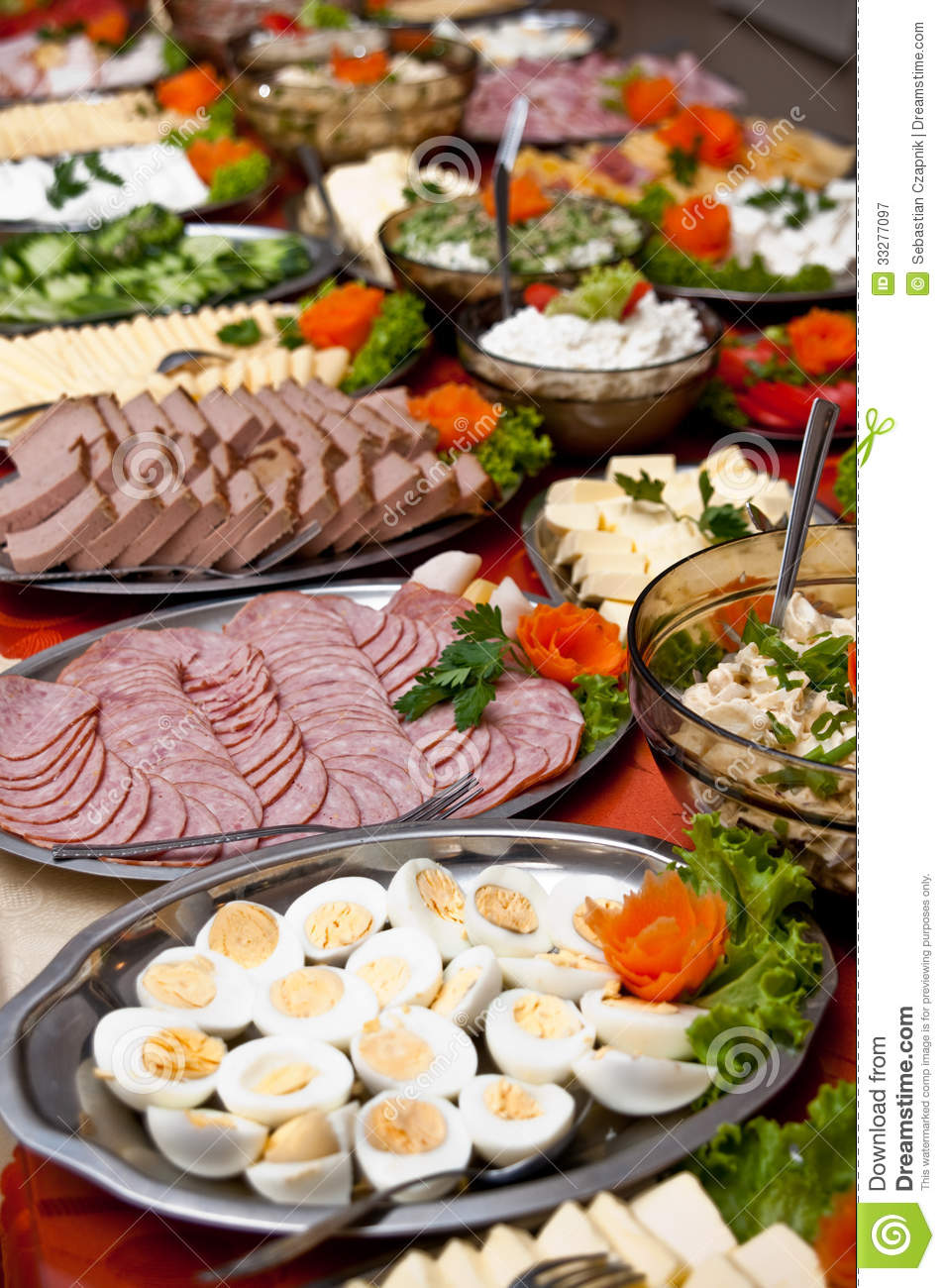 Food on buffet table stock image image of buffet table for Buffet avec table integree
