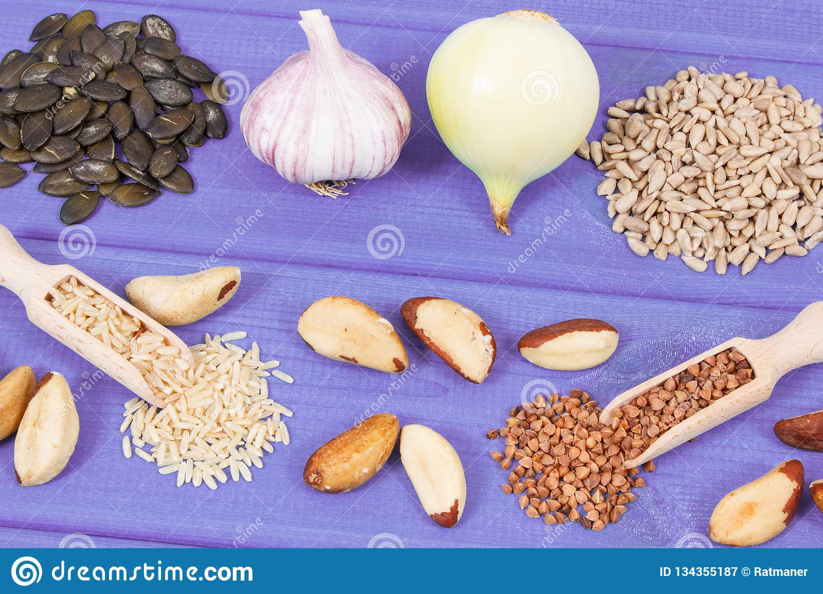 Food containing selenium, minerals and dietary fiber, healthy nutrition concept