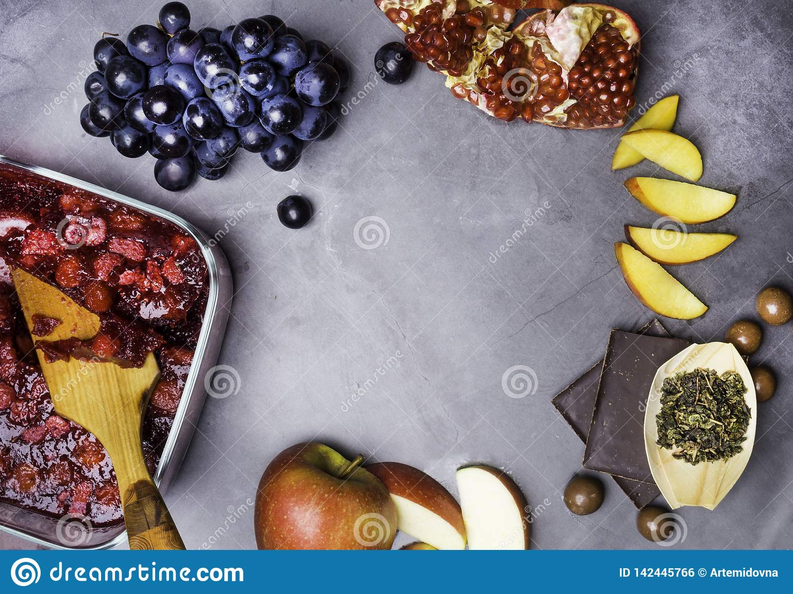 Foods That Are Good Sources Of Resveratrol Flavonoids And Antioxidants Stock Photo Image Of Background Healthy 142445766