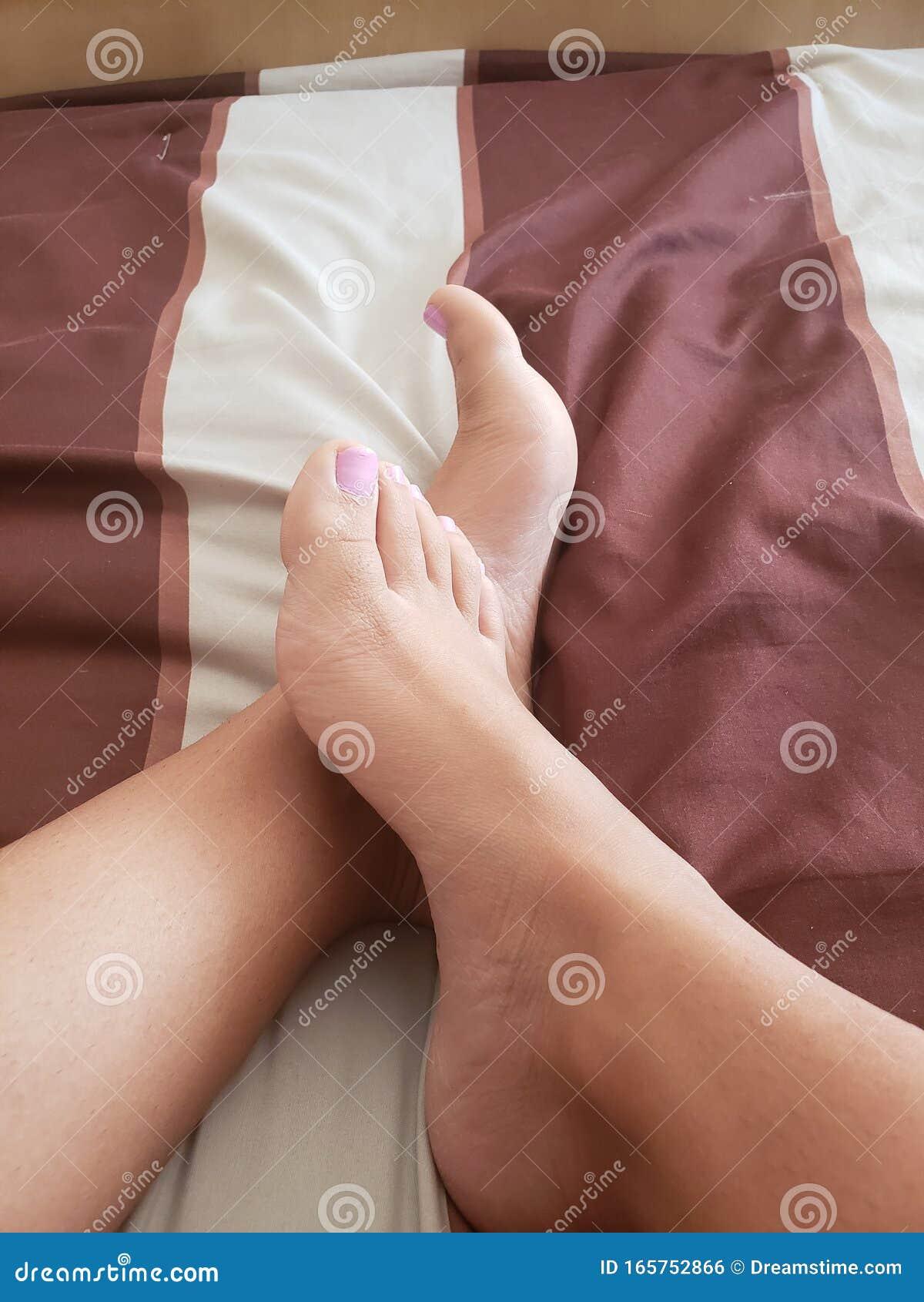 Foot porn thumbs