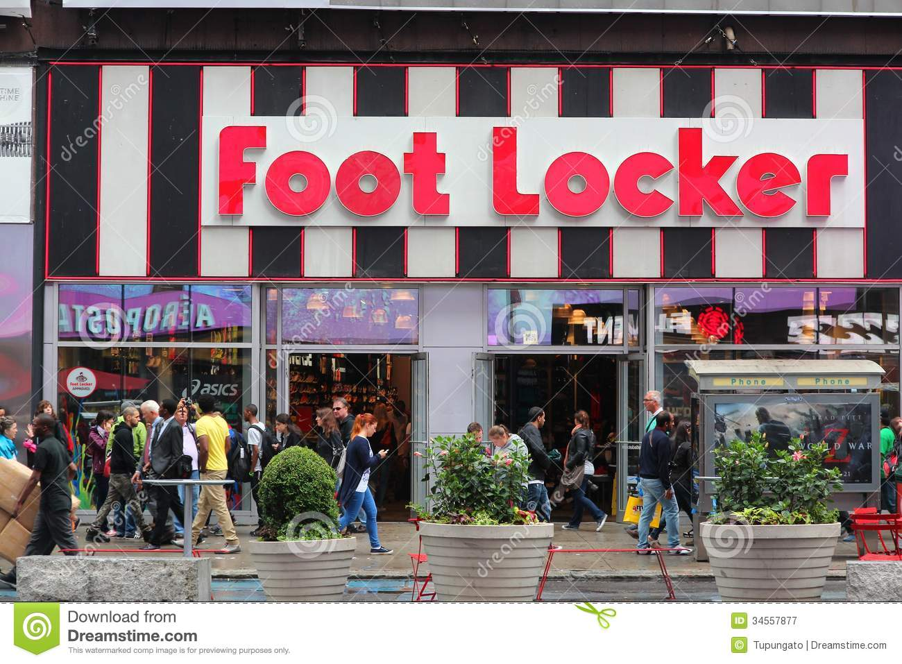 foot locker shoe store in italy editorial image 22416516. Black Bedroom Furniture Sets. Home Design Ideas