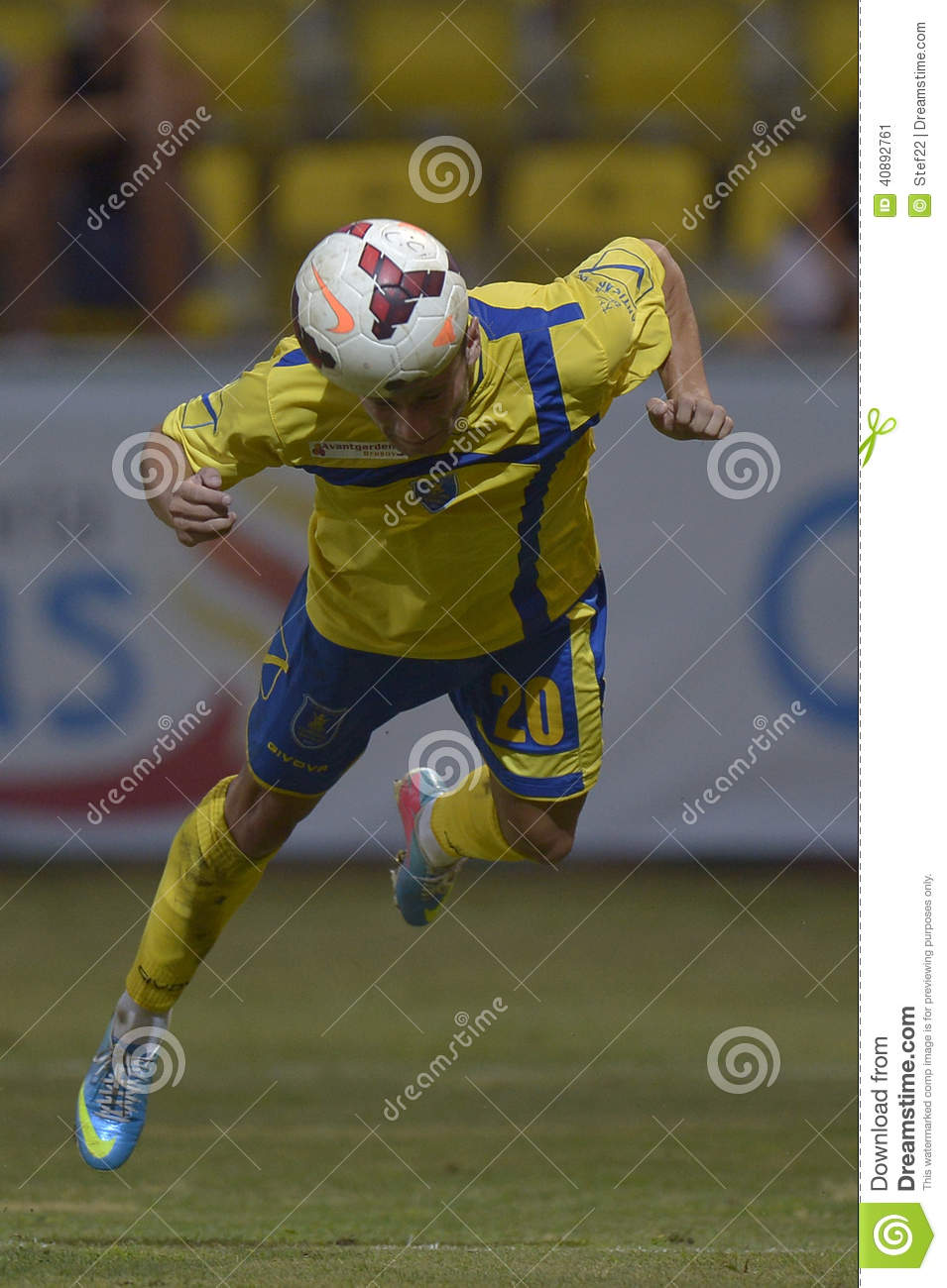 Football diving header