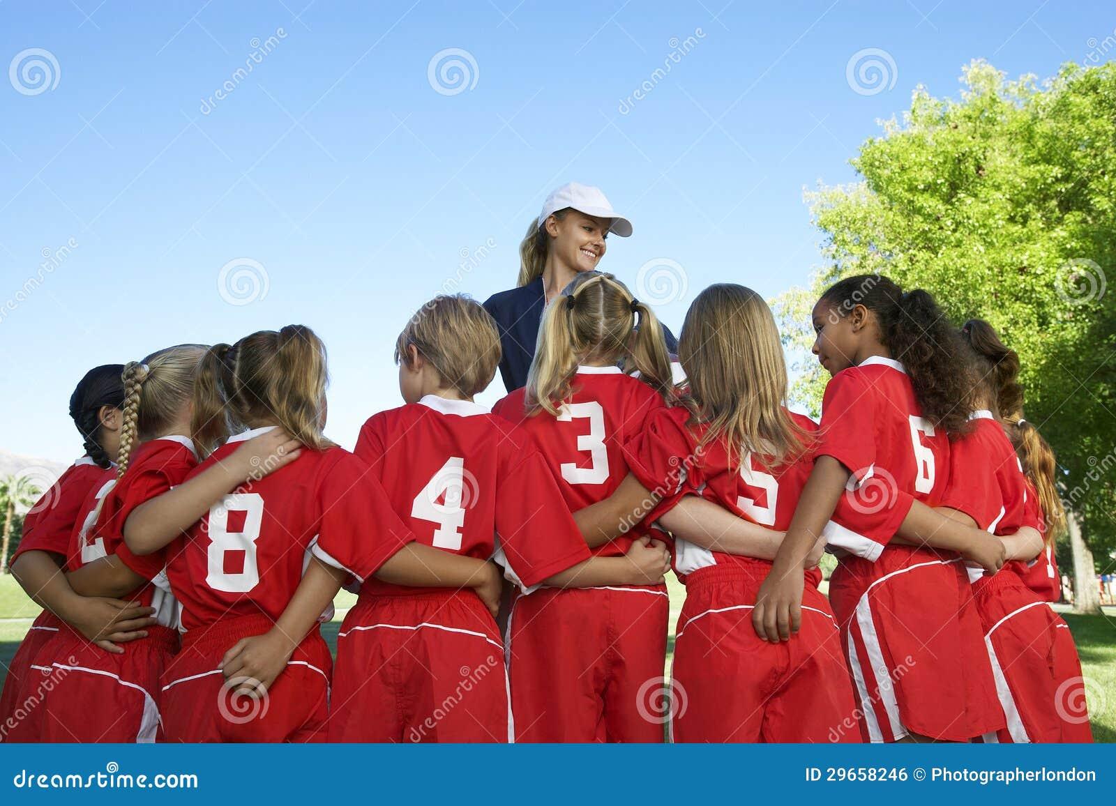 Footballeurs avec l entraîneur