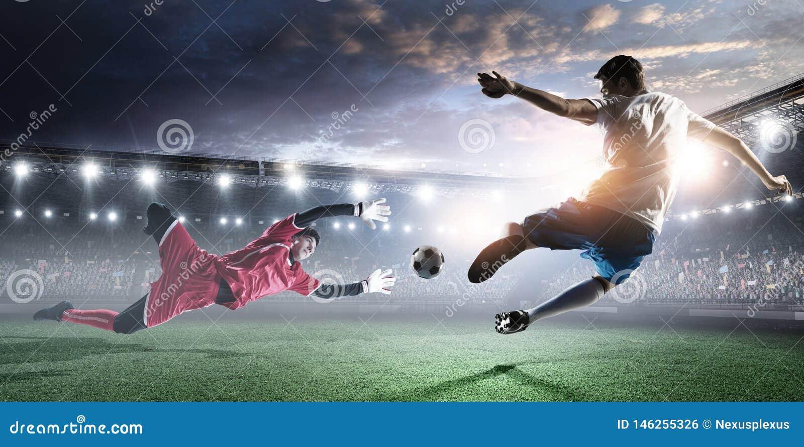 Footballeurs sur le stade dans l action Media m?lang?