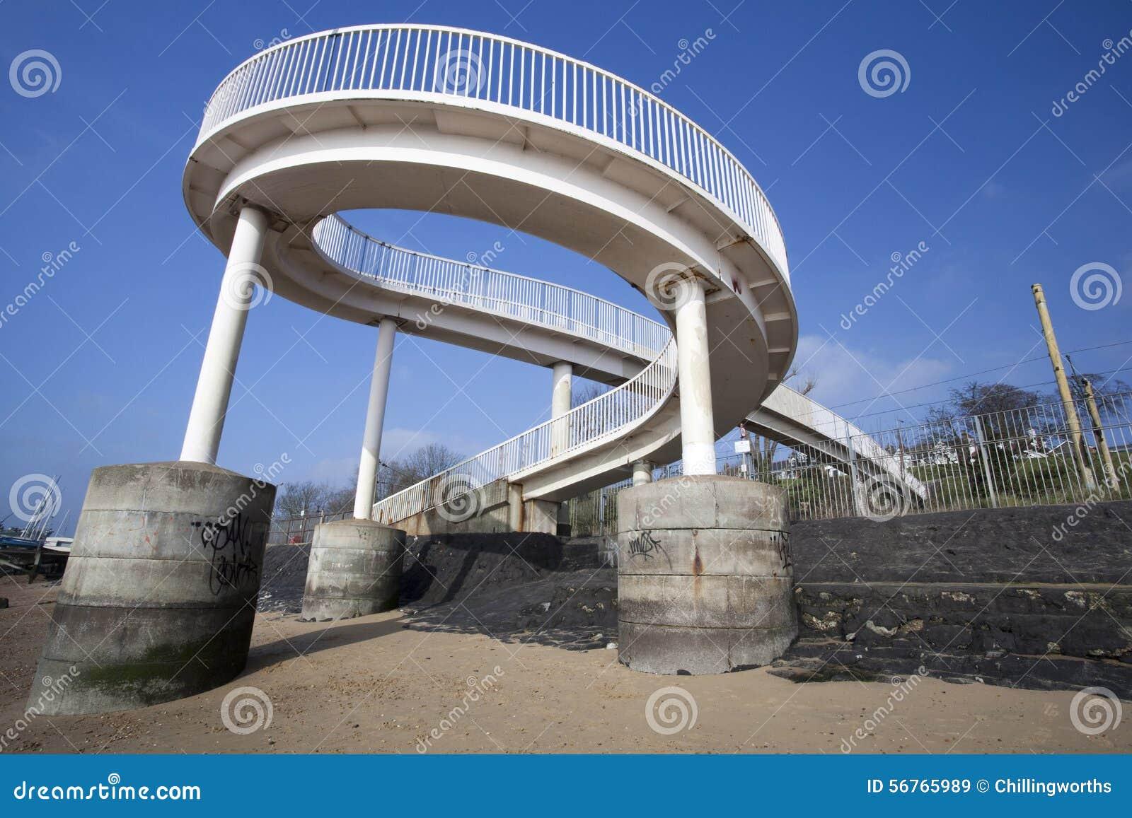 Footbridge на Leigh-на-Море, Essex, Англии