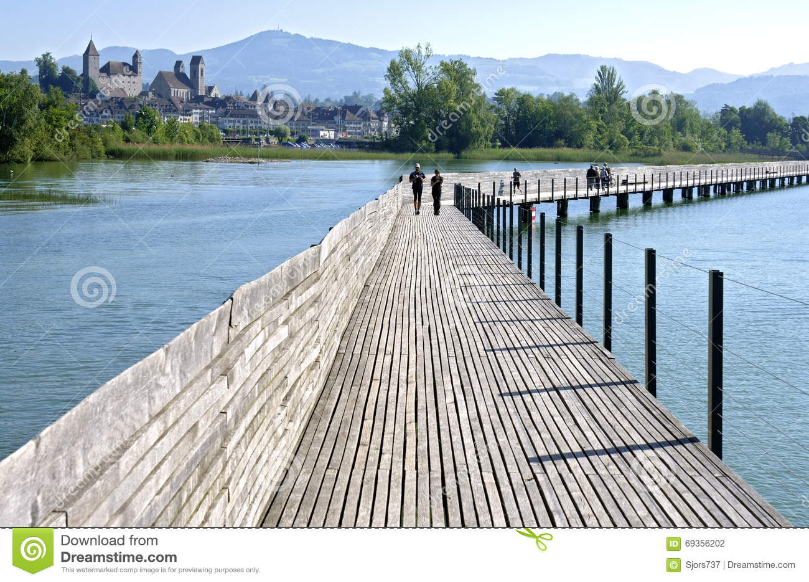 Footbridge of pfaffikon over lake zurich switzerland for Innendekoration pfaffikon zh