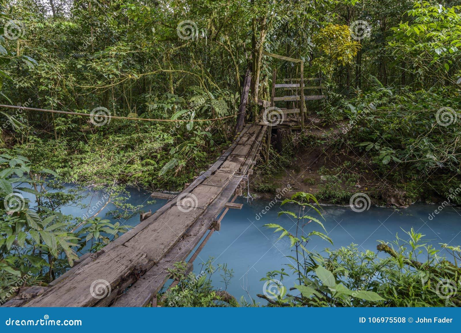 Footbridge w Costa Rica