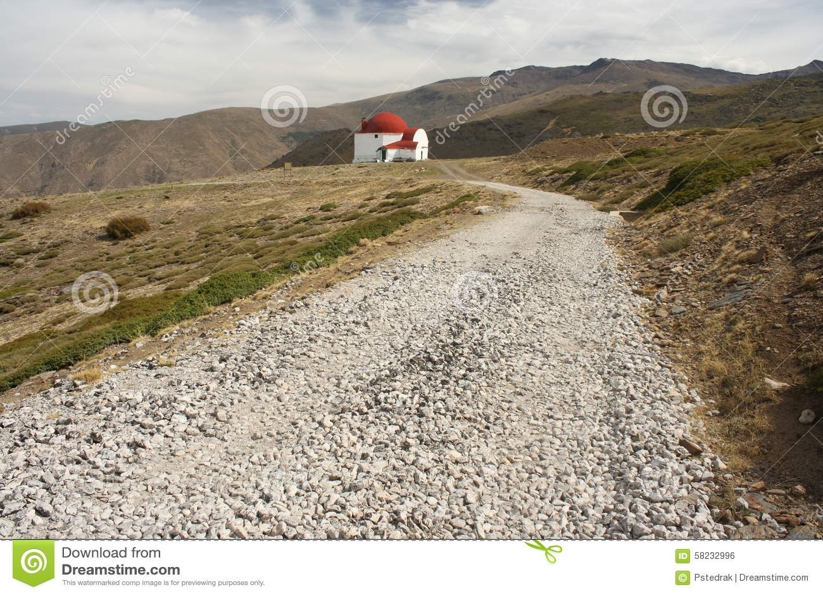 Footpath to San Francisco refuge in Sierra Nevada