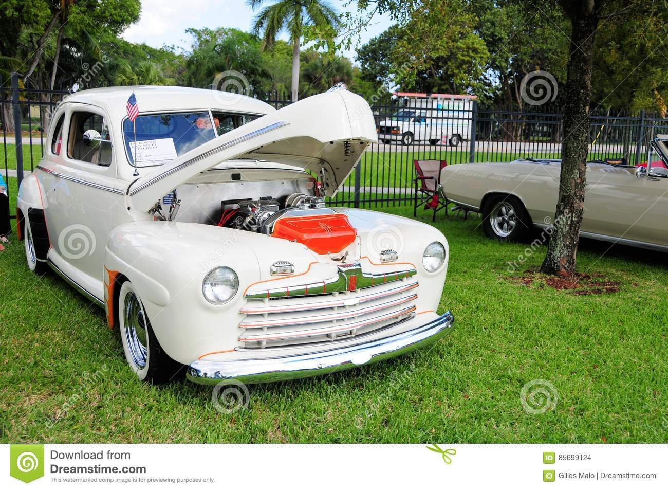 Ford Deluxe clásico 1946