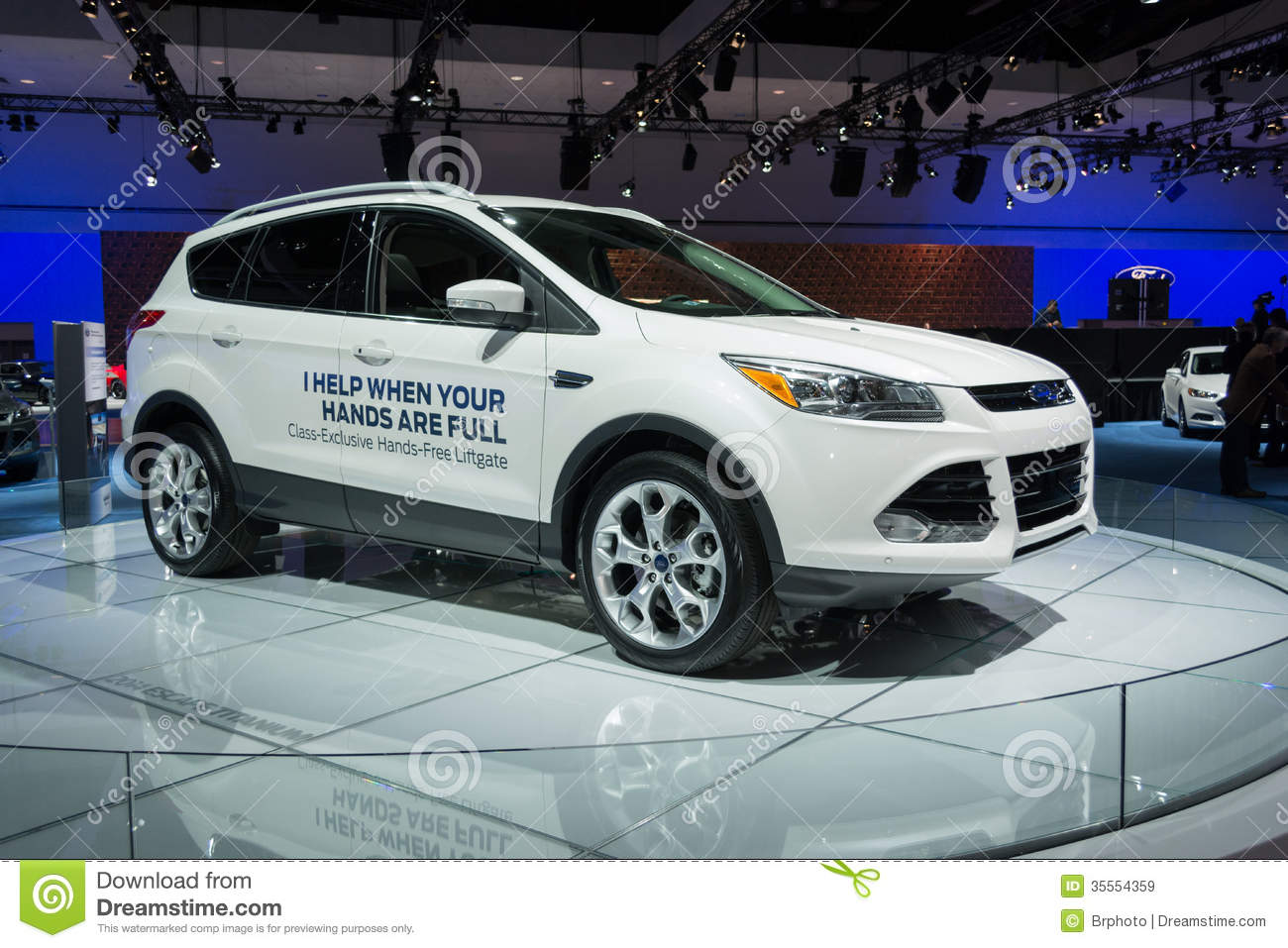 Ford Escape HandsFree Liftgate Cars On Display At The LA Auto S - When is the la car show