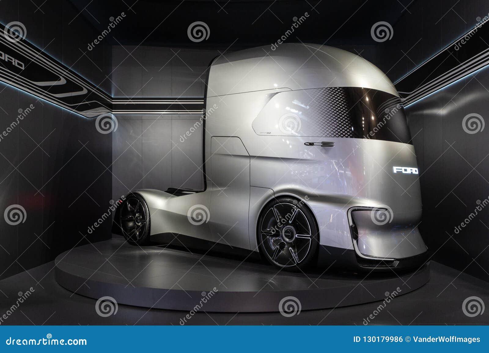 Ford-F-Visions-Zukunft-LKW, elektrisch und autonom,