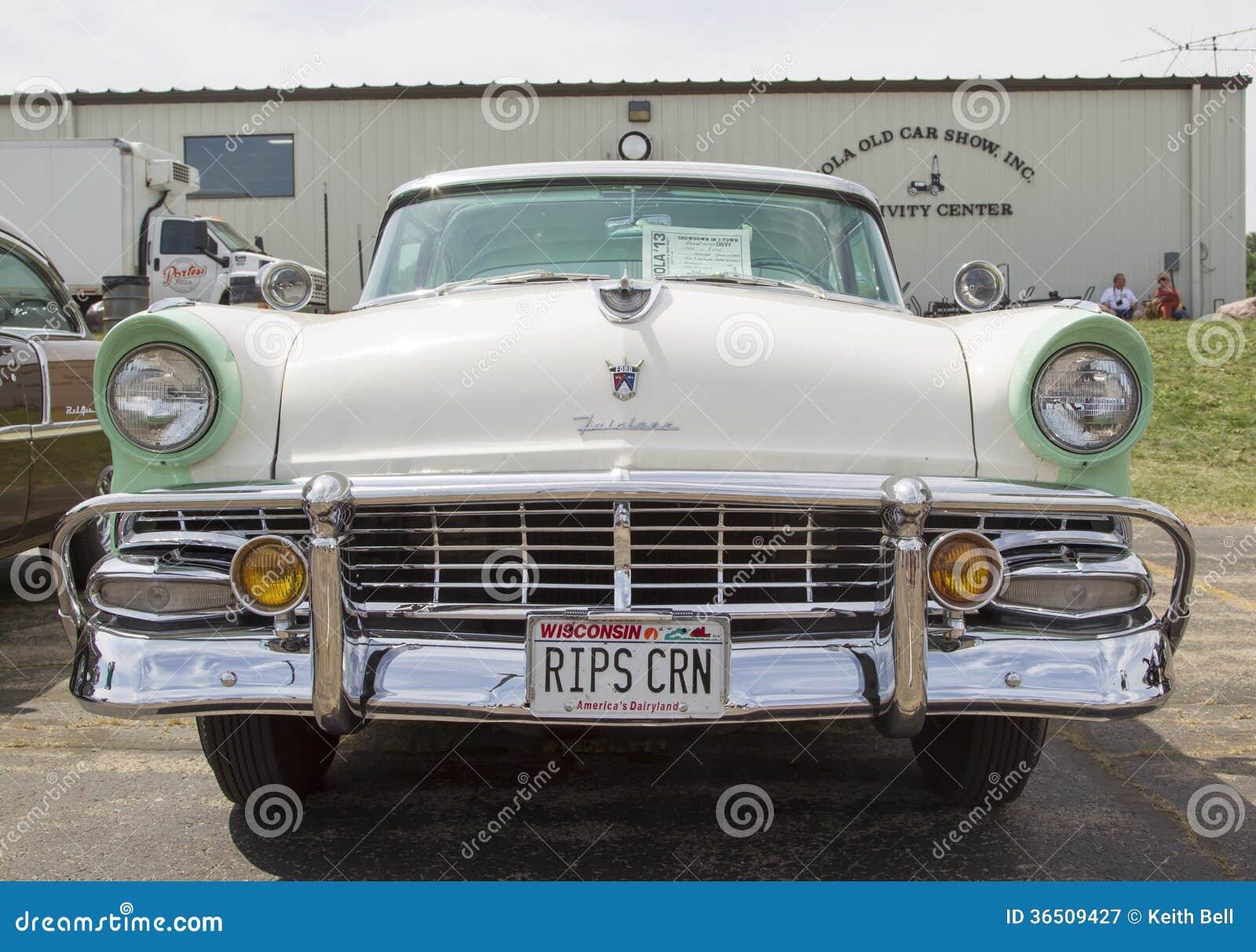 Ford Fairlane Crown Victoria Green vit främre sikt 1956