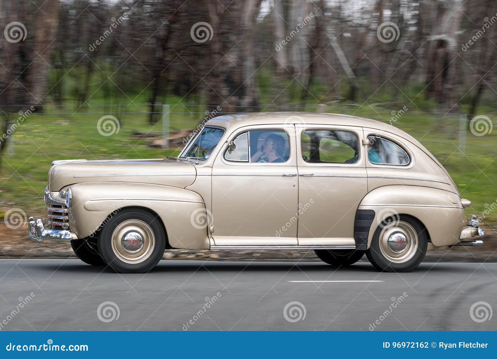 Ford Fordor Sedan 1946