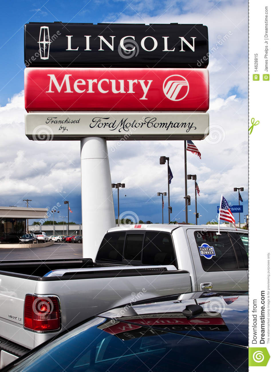 Ford lincoln mercury dealership sign editorial image for Ford motor company credit card