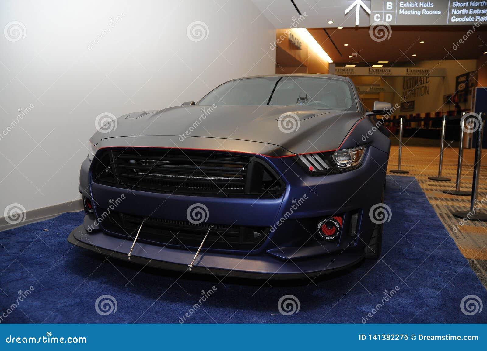 Ford Mustang feito sob encomenda V8