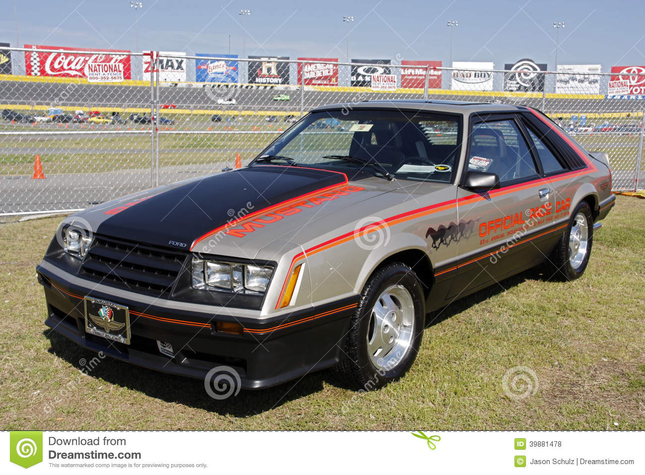 Ford Mustang Pace Car am 50. Jahrestags-Ereignis Charlotte
