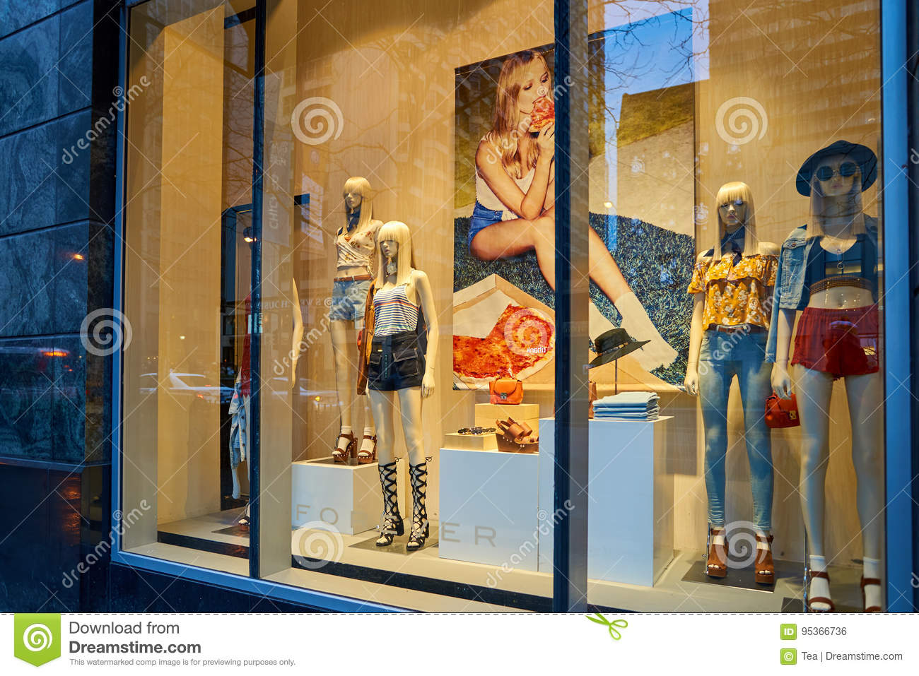Forever 21 Store Editorial Photo Image Of Facade Outdoor 95366736