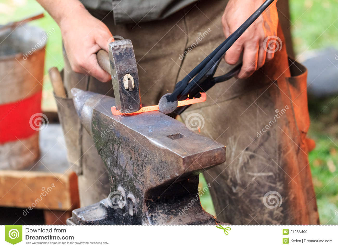 Royalty Free Stock Images: Forging a horse shoe