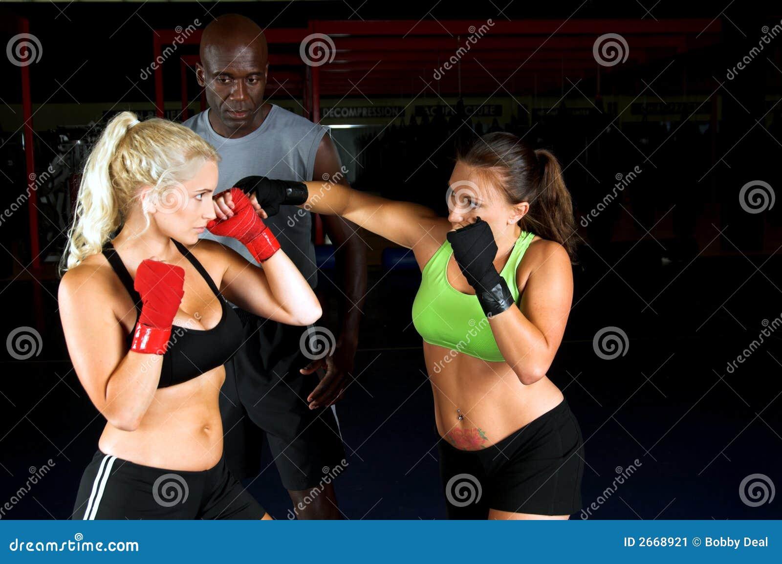 Formação dos lutadores da menina