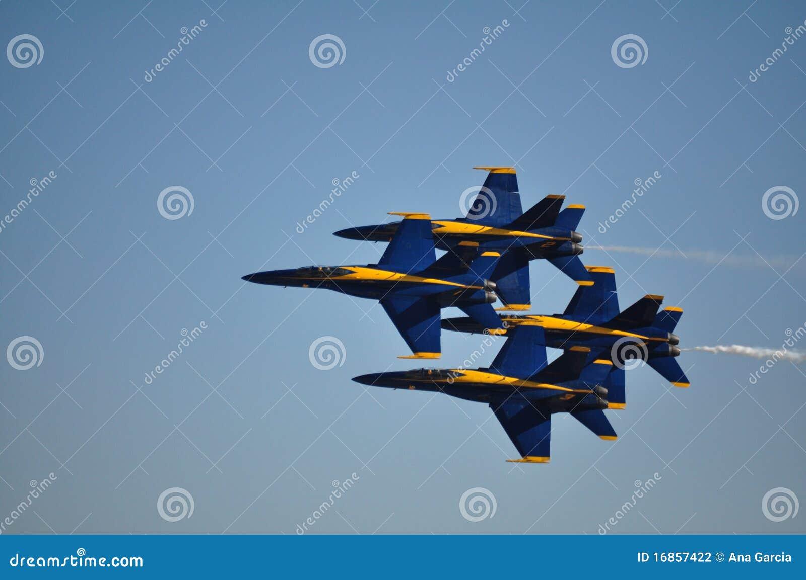 Formação próxima de anjos azuis