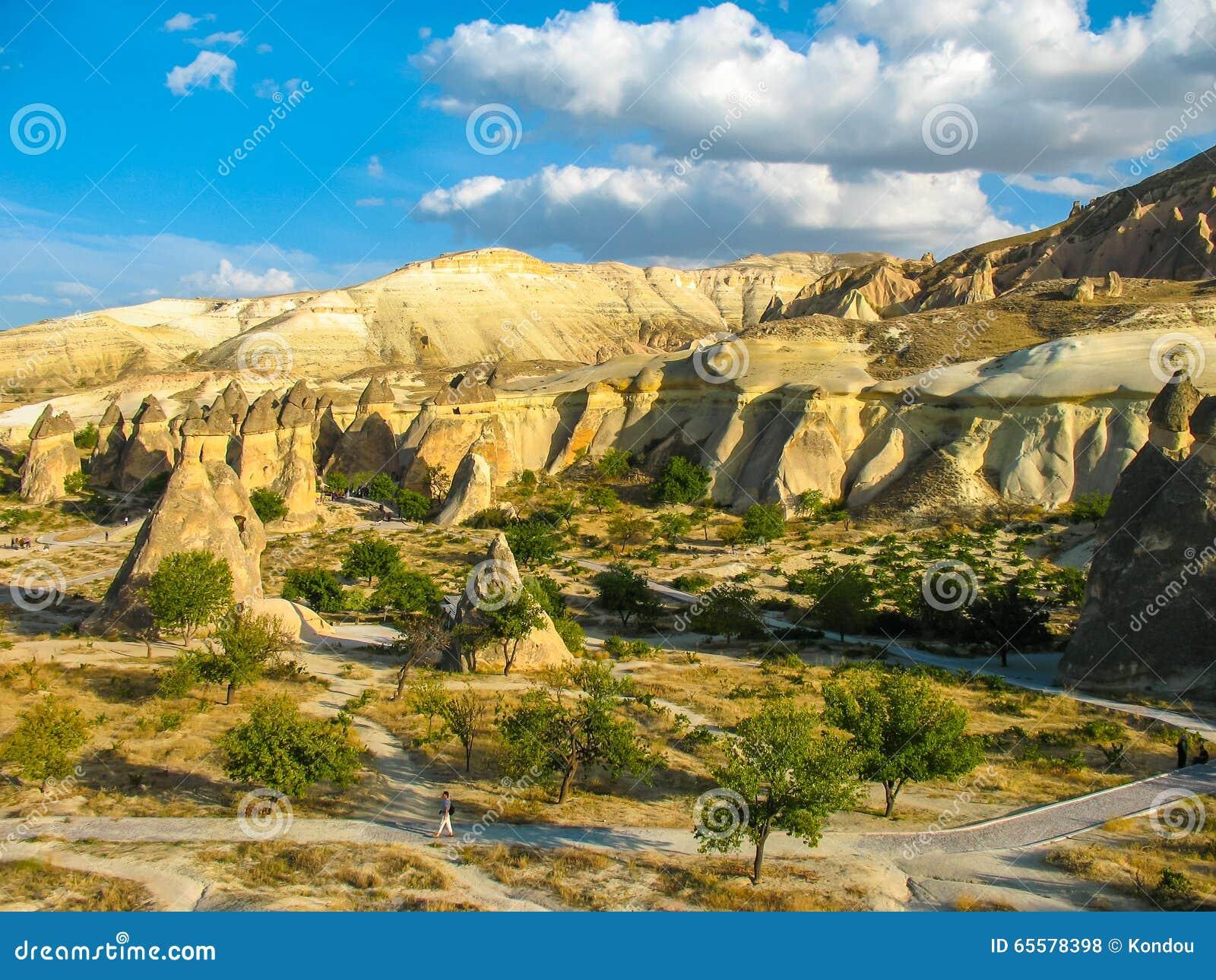 Formações de rocha incríveis, Cappadocia, Turquia