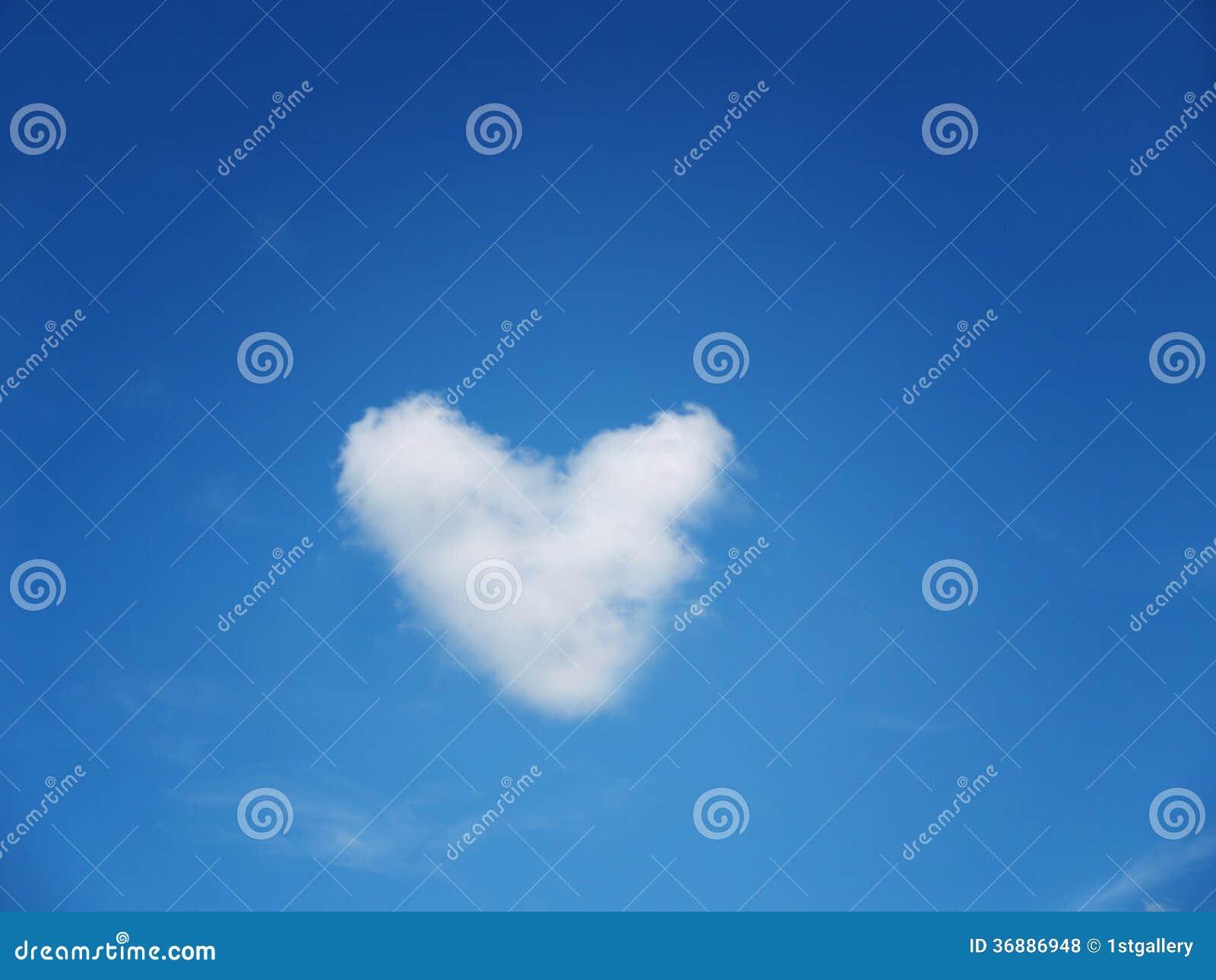 Download Forma Del Cuore Nel Cielo (4) Fotografia Stock - Immagine di compleanno, copia: 36886948