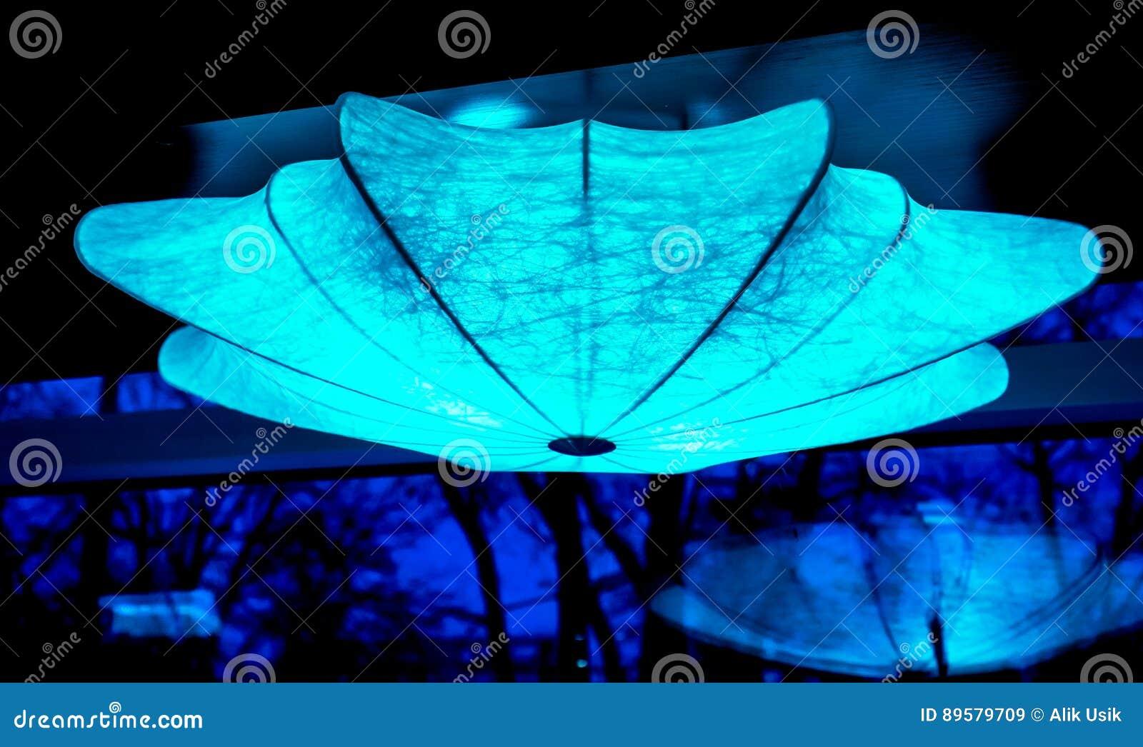 Forma dell ombrello di illuminazione dalle piccole lampade alla