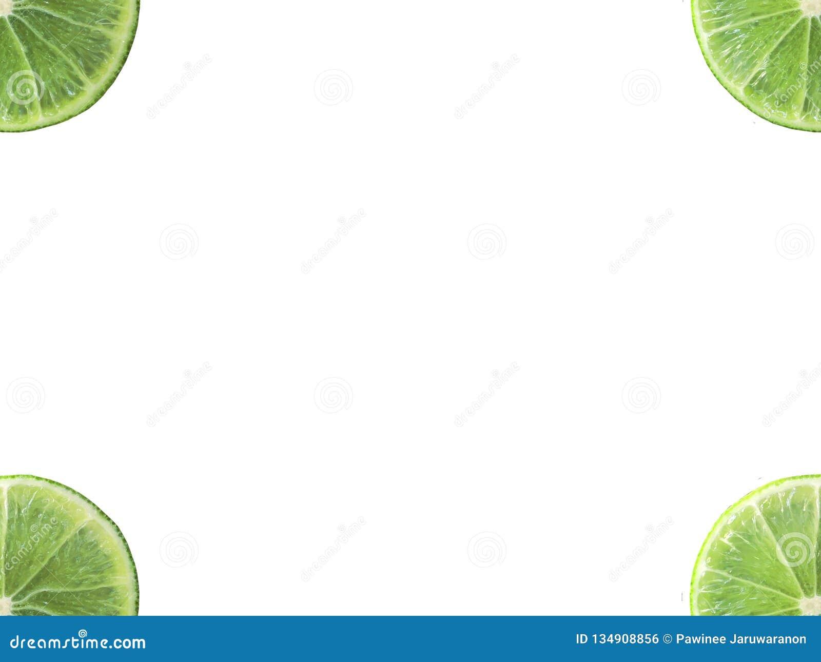 Forma quarta della fetta succosa della calce all angolo isolato su fondo bianco