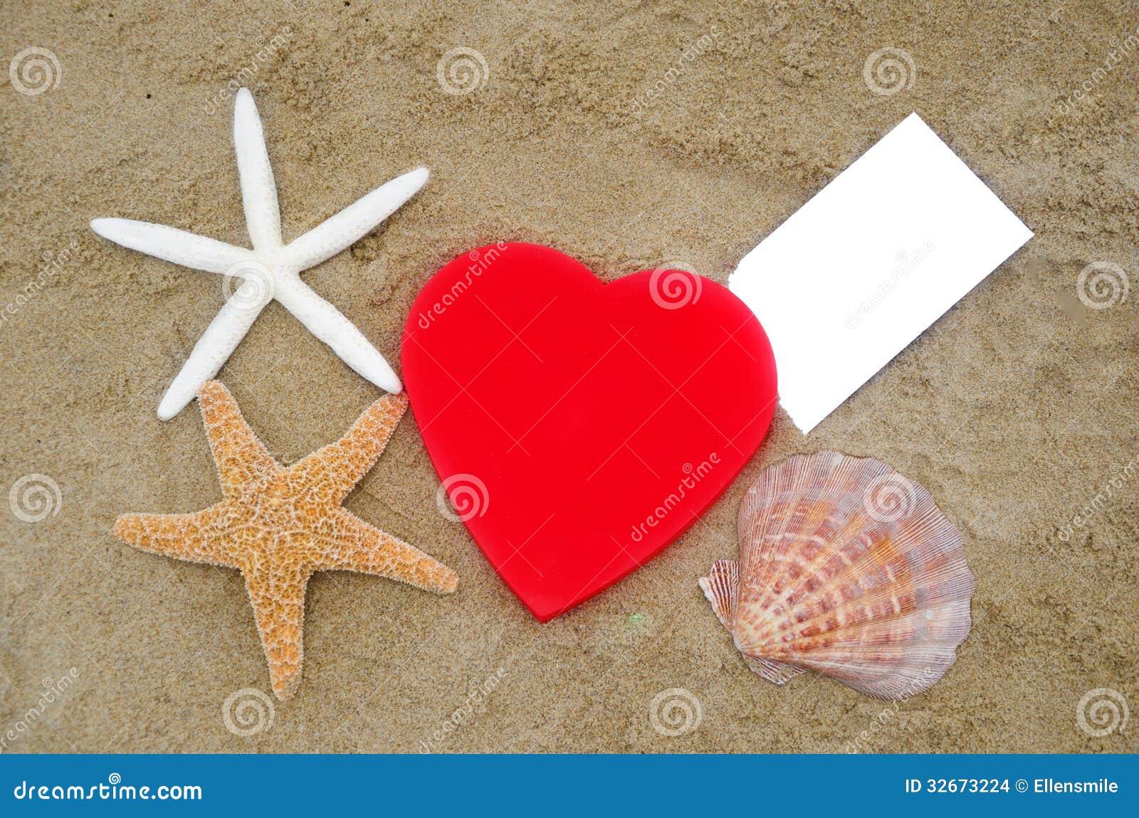 forma stelle marine conchiglia e carta del cuore sulla. Black Bedroom Furniture Sets. Home Design Ideas