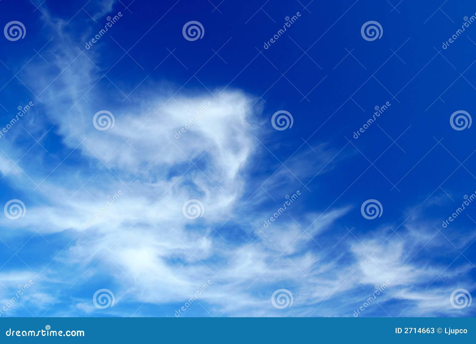 Formación hermosa de la nube