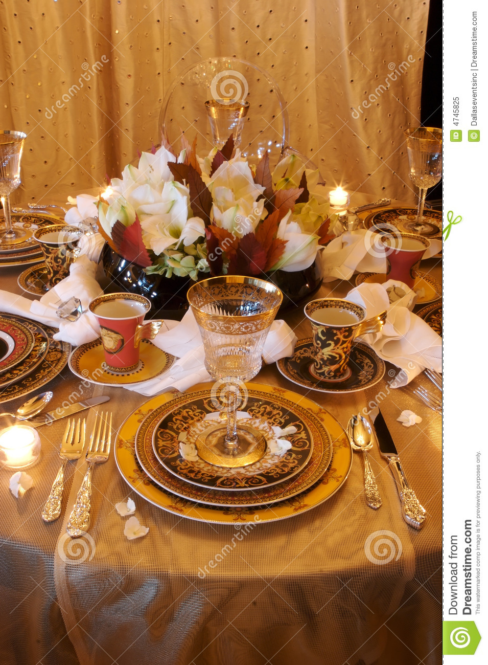 Formal Dining Table Place Settings