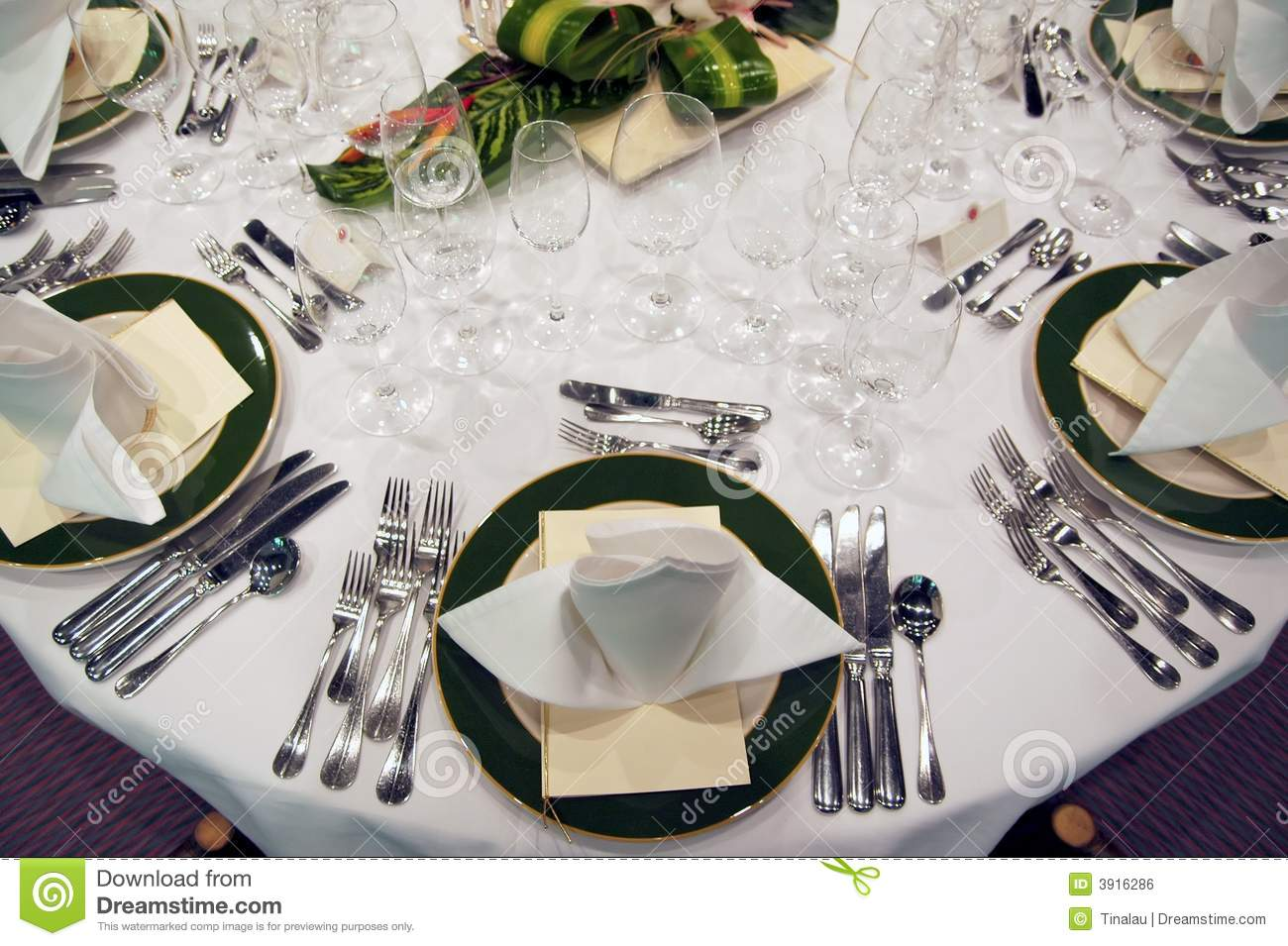 Formal Dinner Setting Royalty Free Stock Image Image  : formal dinner setting 3916286 from www.dreamstime.com size 1300 x 955 jpeg 149kB
