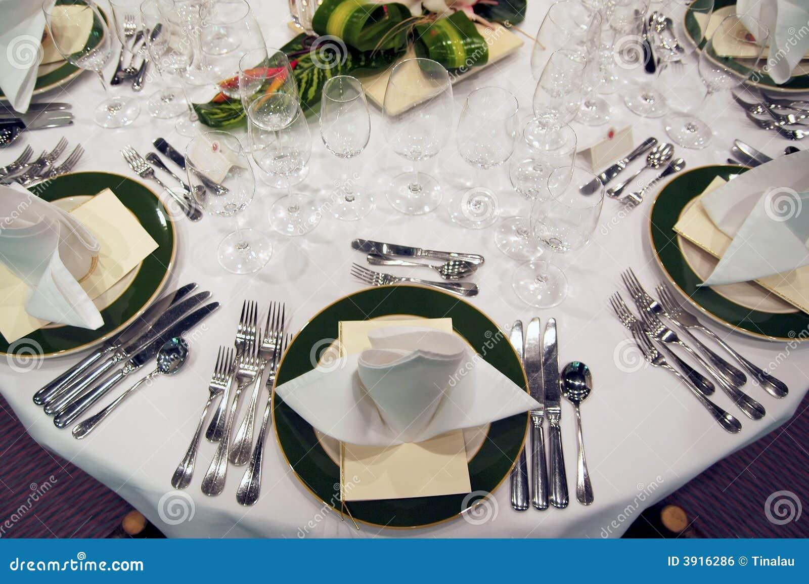 Formal Dinner Setting Royalty Free Stock Image Image  : formal dinner setting 3916286 from www.dreamstime.com size 1300 x 955 jpeg 149kB