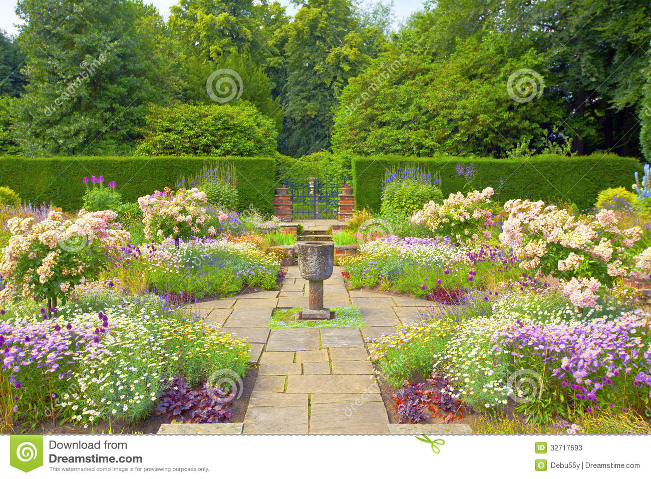 Formal English Garden Stock Image Image Of Flagged