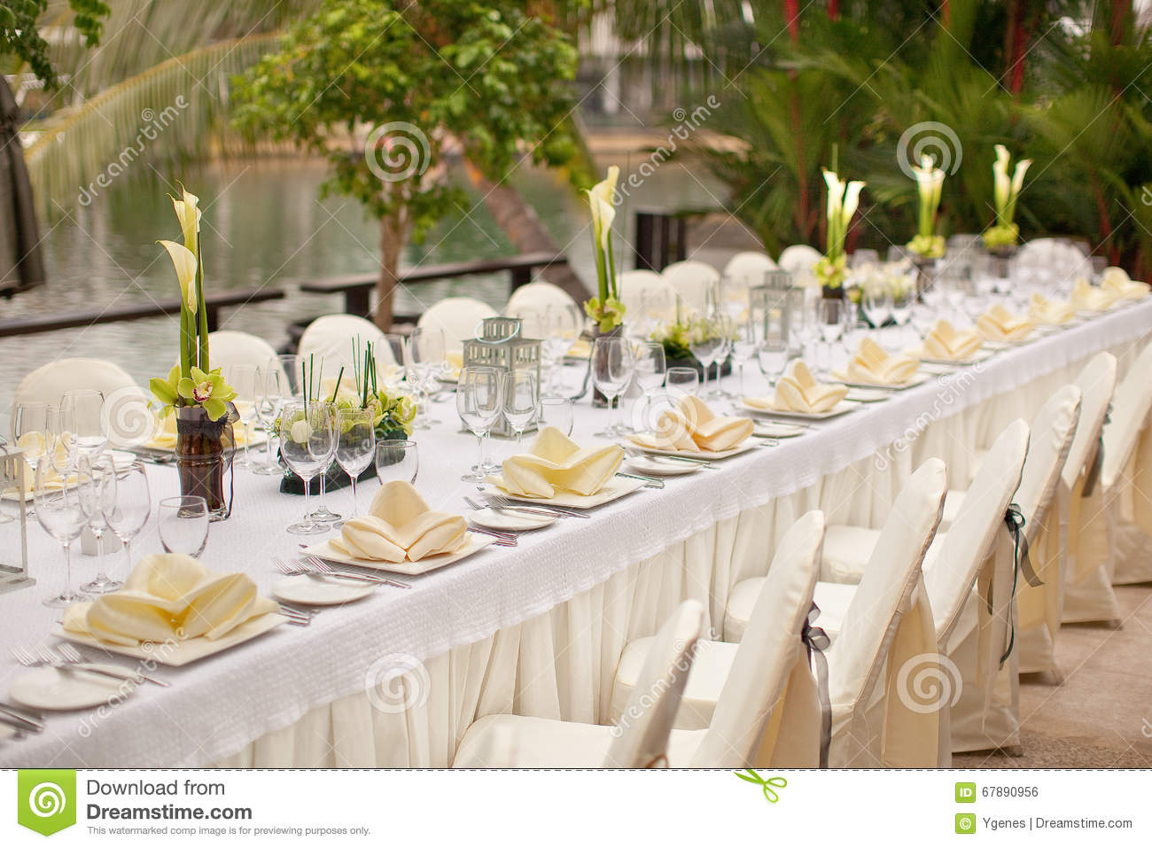 Formal table setting. Outdoor garden style table decoration. Beautiful fine. : banquet table setting - pezcame.com