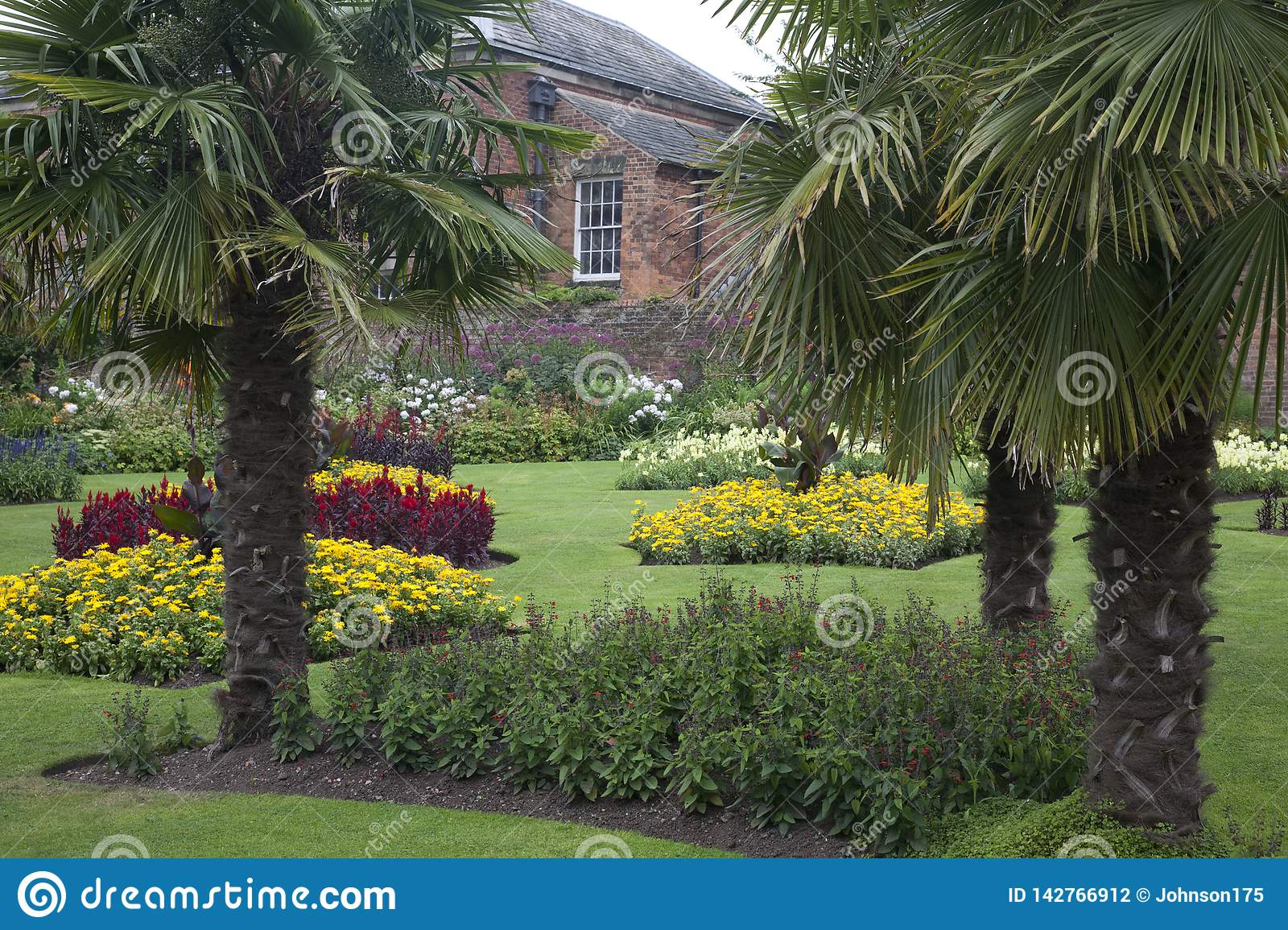 Surprising Formal Walled Garden At An Old Historical English Manor Download Free Architecture Designs Rallybritishbridgeorg